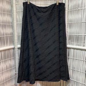 🖤 ROZ & ALI black textured midi a-line skirt